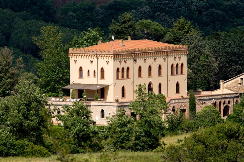 Beautiful Castle-Like Villa in Coastal Tuscany with Private Pool and Ideal for Weddings - Villa Pina - Image 1 - Cecina - rentals