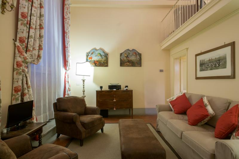 Studio Apartment in Historic Florence Building - Dario - Image 1 - Florence - rentals