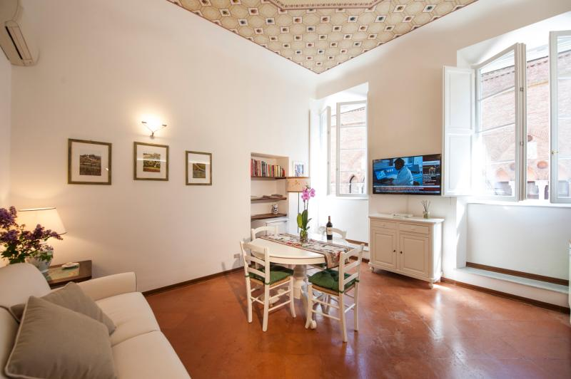 Historic Apartment for a Couple in the Center of Siena - Giorgia - Image 1 - Siena - rentals