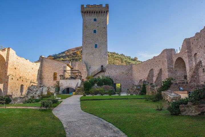 Historic Fortress with Pool for a Group in Umbria - Castello Umbro - Image 1 - Foligno - rentals