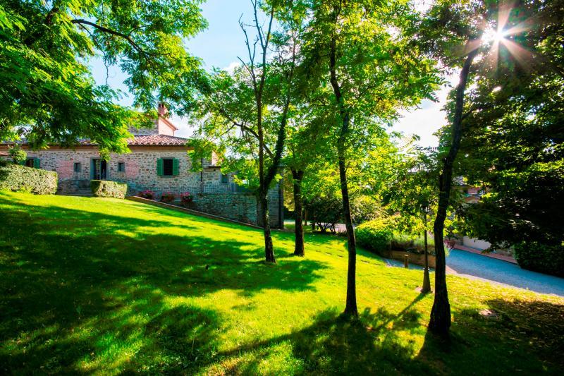 Tuscan Villa with Private Pool and Cottage Near Cortona - Villa Rosaria - Image 1 - Cortona - rentals