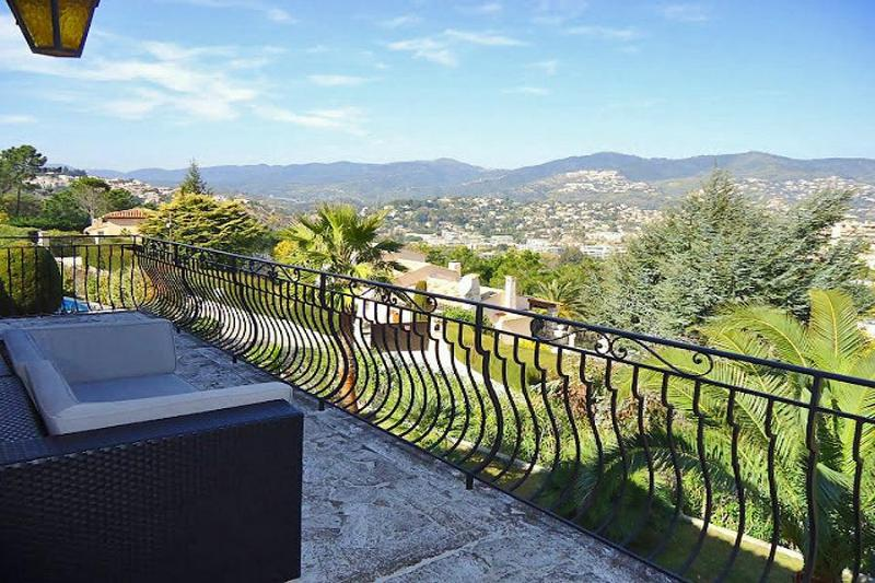 Villa Walking Distance to La Napoule and Close to Cannes - Villa Napoule - Image 1 - La Napoule - rentals