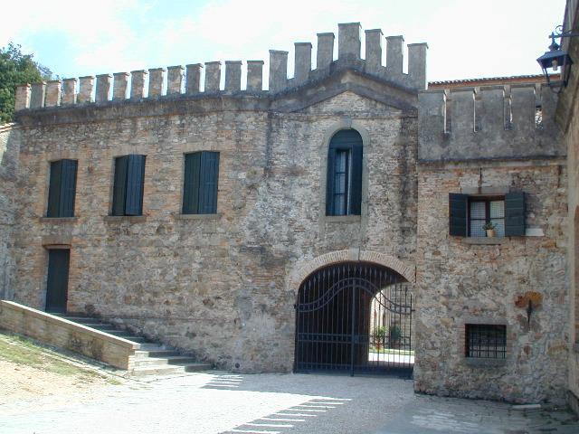 Charming and Historic Castle Apartment in the Veneto Region  - Castello Ricco - Image 1 - Monselice - rentals