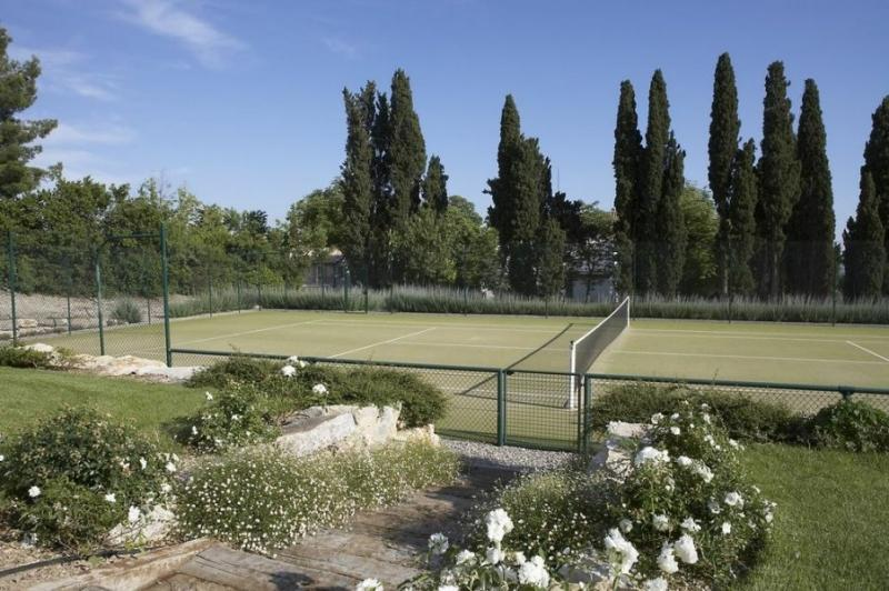 Country Villa Near Aix-en-Provence with Pool, Tennis Court and Gym - Villa Sophie - Image 1 - Provence - rentals