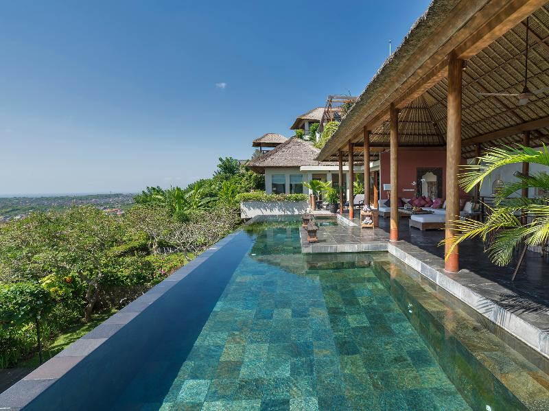 The Longhouse - Cliff top pool view - The Longhouse - an elite haven - Bukit - rentals