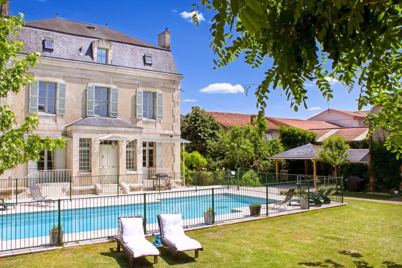Astier Petit Chateau Only - Image 1 - Saint-Astier - rentals