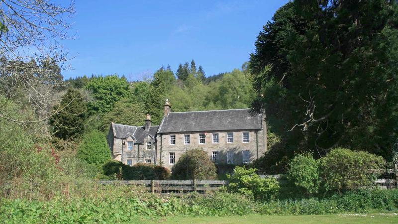 Old Argyll House - Image 1 - Rashfield - rentals