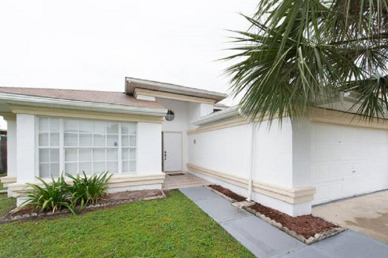 BUENA VENTURA LAKES (263HS) - 3BR 2BA Home with private Pool - Image 1 - Kissimmee - rentals