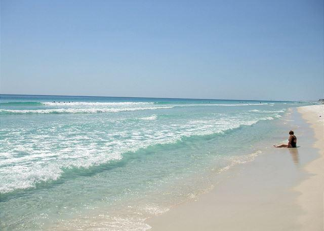 Beach - Two bedroom facing miles of beach and beautiful sunsets. - Fort Walton Beach - rentals