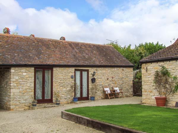 CIDER BARN COTTAGE, romantic cottage, countryside, parking, walks and cycling, Bredon's Norton, Ref. 925951 - Image 1 - Bredons Norton 	 - rentals