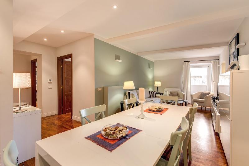 Elegant and Stilish Apartment in Piazza S. Apostol - Image 1 - Rome - rentals