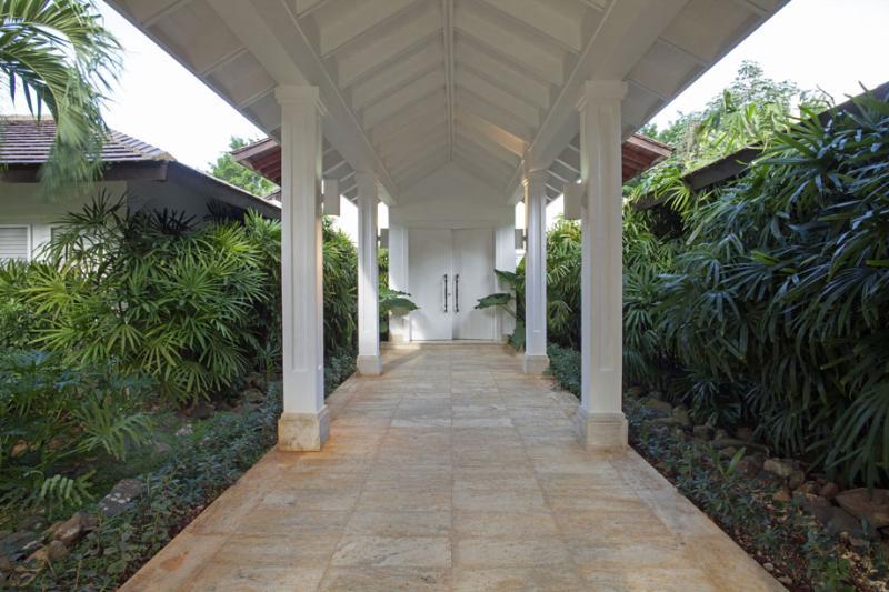 Magnificent White Villa in Casa de Campo - Image 1 - La Romana - rentals