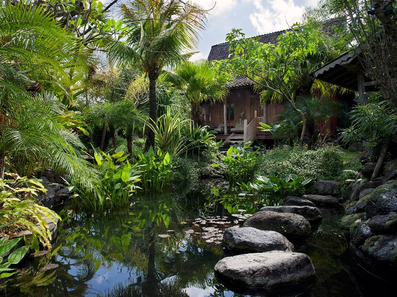 1. Villa Radha - Entrance pond - Villa Radha - an elite haven - Canggu - rentals