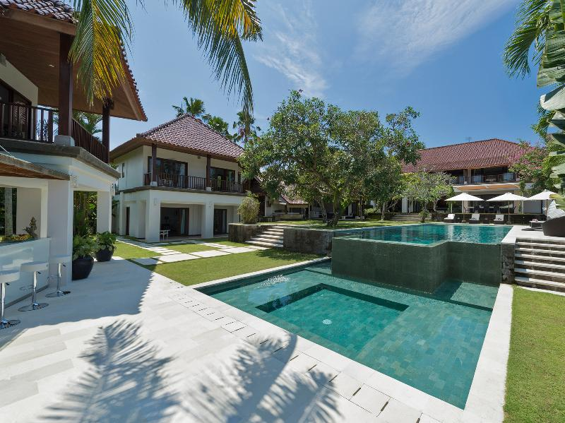 1. Villa Manis - View of the houses - Villa Manis - an elite haven - Canggu - rentals