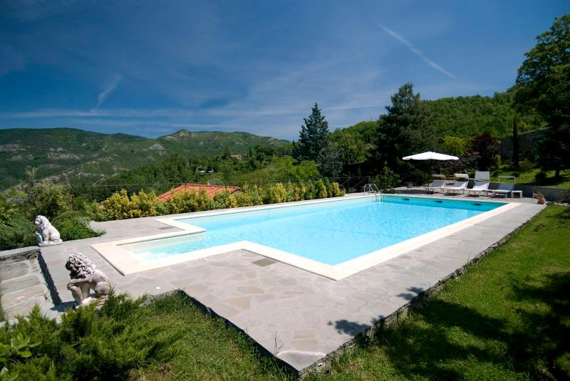 6 bedroom Villa in San Godenzo, Florentine Hills, Arno Valley, Italy : ref 2293983 - Image 1 - San Godenzo - rentals