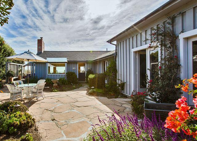 Charming Oceanfront Home in Seadrift - Image 1 - Stinson Beach - rentals