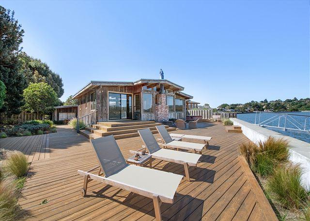 Spacious home with stunning views on the Bolinas Lagoon - Image 1 - Stinson Beach - rentals