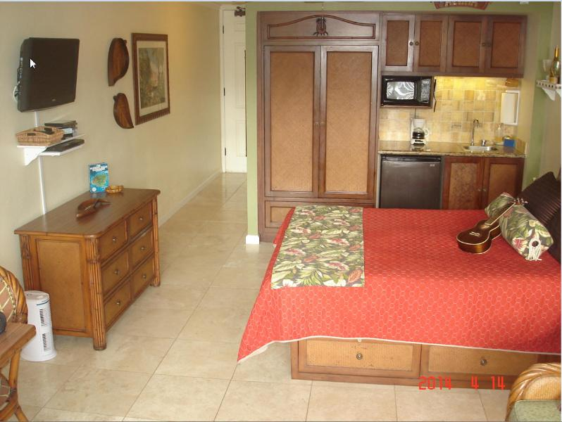 $84-$104-Oceanfront Resort/Oceanview Units244/256 - Image 1 - Kapaa - rentals