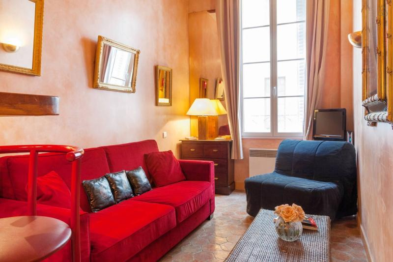 Ile St Louis, Charming Studio - Best City Reviews - Image 1 - Paris - rentals
