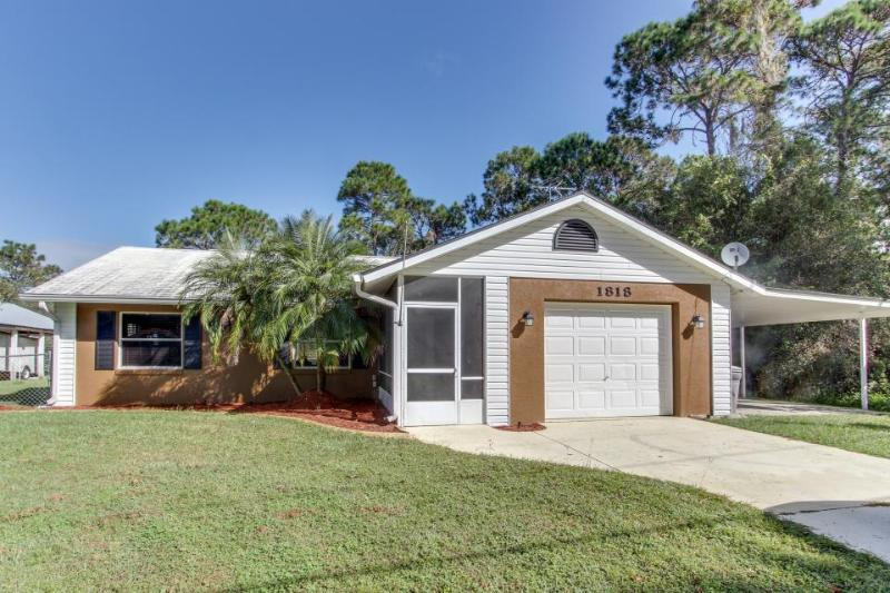 Spacious home with enclosed outdoor pool, close to golf & more - dogs welcome! - Image 1 - Sebring - rentals