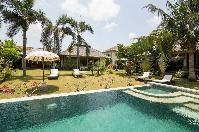 The Pool - Enchanting ,eclectic ,peaceful Villa in compound - Kerobokan - rentals