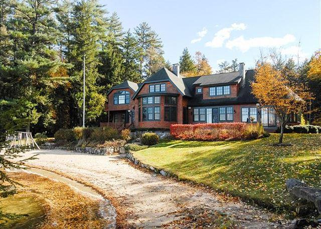 Luxurious Waterfront Home Lake Winni (BAR124Wa) - Image 1 - Moultonborough - rentals