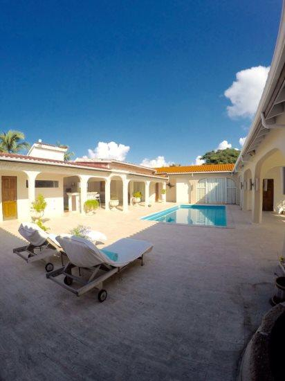 Large pool, suites surround the pool - Escape B&B; - In the heart of the Cupecoy Beach area! - United States - rentals