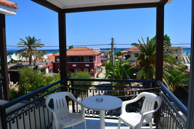 Triple studio view - Montes Triple Studio for 3-5pax Sea View 70m from the Beach. - Alykes - rentals