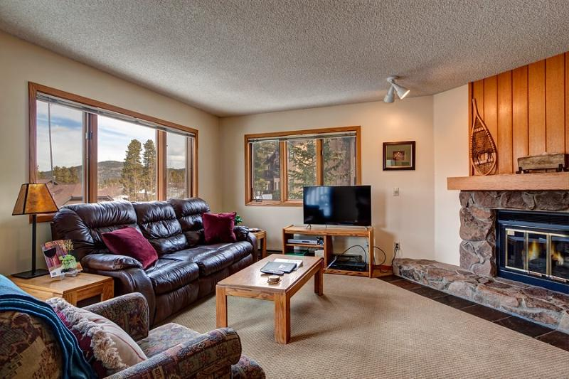 Family Room - Woods Manor 2 BD Condo/ 20% off stays thru 06/19 - Breckenridge - rentals