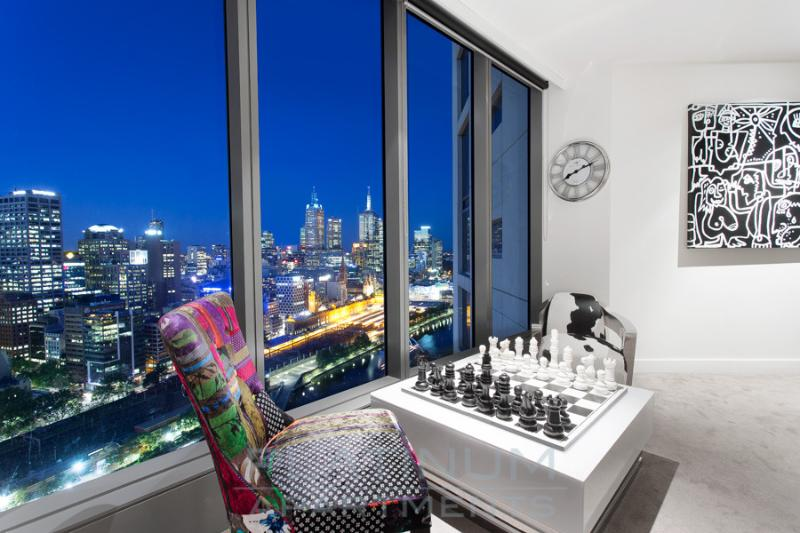 ENJOY A GAME OF CHESS or just take in the MELBOURNE SKYLINE - 'THE VIEW' 2 BRM at Freshwater Place - Melbourne - rentals