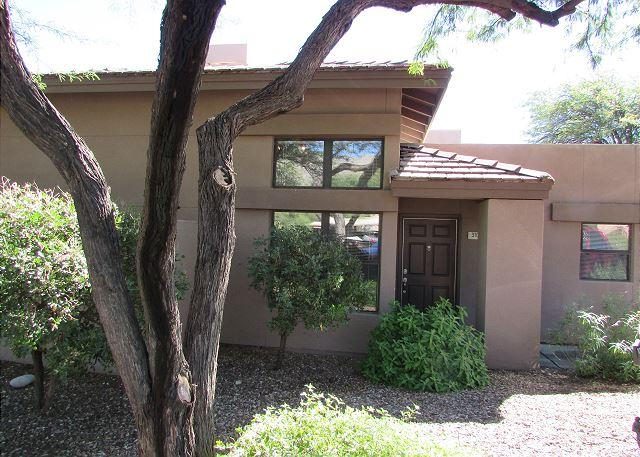 Picture Name - Casita-Single Story-Wood Floors-Extended Patio AND Mountain Views! - Tucson - rentals
