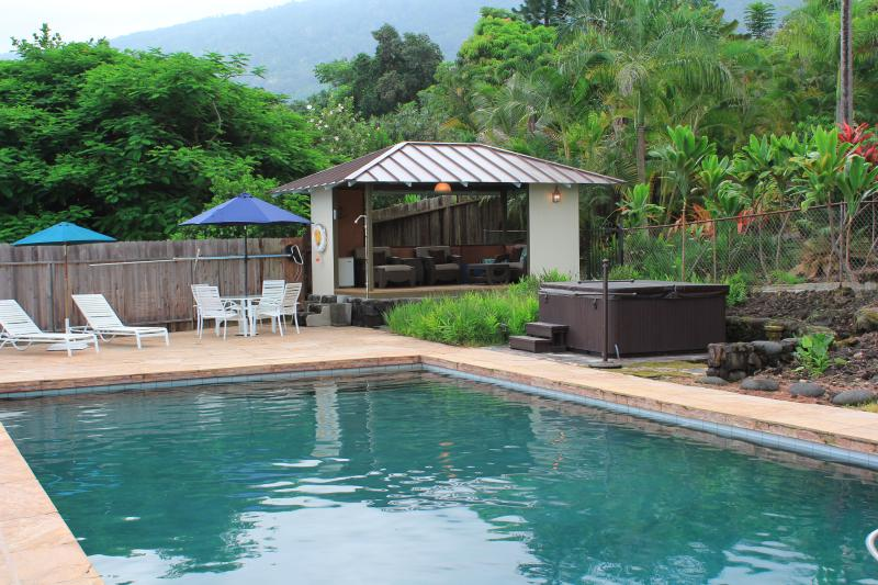 Outdoor gazebo with private pool and hot tub are yours to enjoy and relax at - Private Hawaiian Paradise Minutes to the Best Beac - Captain Cook - rentals