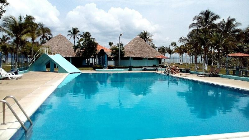 Fresh water pool and bayside pavillion complex - Punta Chame Beach Resort Apt., Sleeps 4. PANAMA. - Punta Chame - rentals