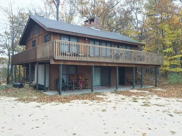 Shaded Lake Michigan Retreat, Private Frontage - Image 1 - Manistee - rentals