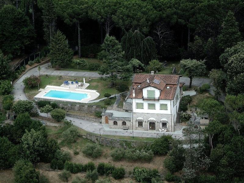 Villa Arabella holiday vacation villa rental italy, tuscany, near beach, near - Image 1 - Camaiore - rentals