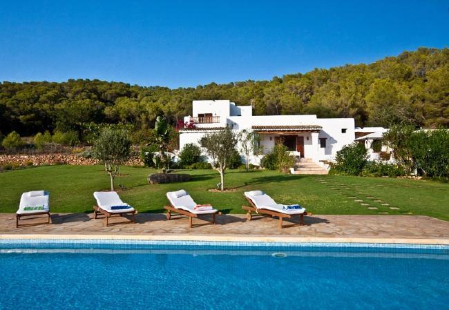 5 bedroom Villa in Santa Eulalia Del Rio, Ibiza, Ibiza : ref 2132900 - Image 1 - Santa Eulalia del Rio - rentals
