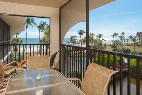 Private Lanai with a Great View! - NEWLY REMODELED!!  GULF FRONT!!!! STEPS TO BEACH!!! - Sanibel Island - rentals