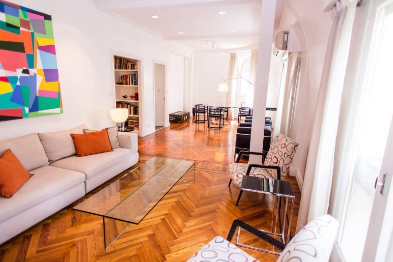 Classic 1 Bedroom Apartment in Recoleta - Image 1 - Buenos Aires - rentals