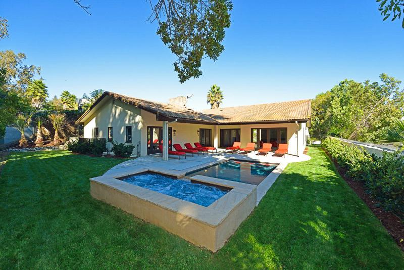 Casa Anjelika, Sleeps 8 - Image 1 - Los Angeles - rentals