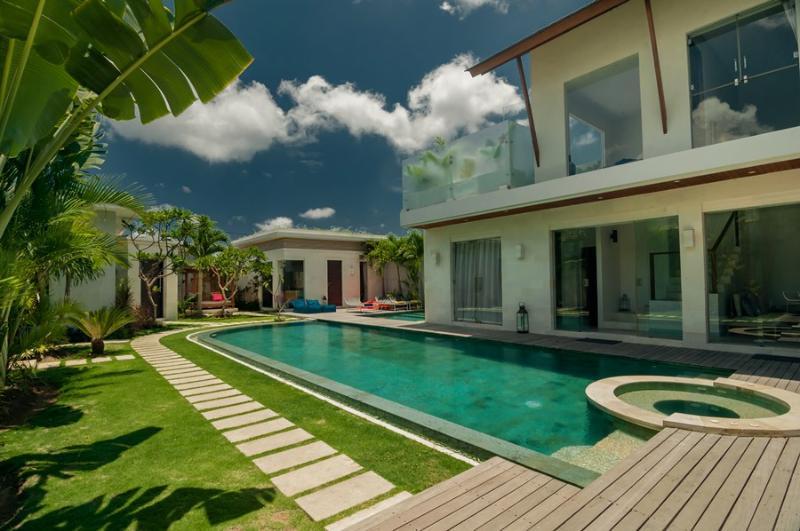 Villa Cloud 9 Seminyak By Bali Villas Rus - FAMILY VILLA IN CENTRAL SEMINYAK - Image 1 - Seminyak - rentals