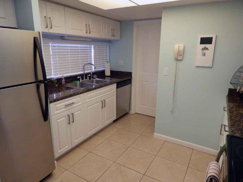 Kitchen - Gulfside Small Garden Unit U - Siesta Key - rentals