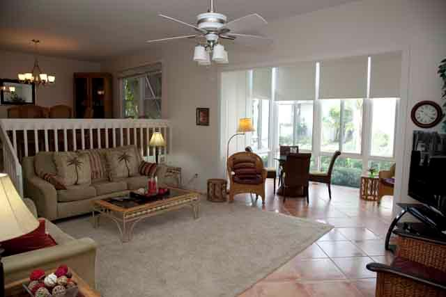 Living Area - Poolside Large Garden Unit A - Siesta Key - rentals