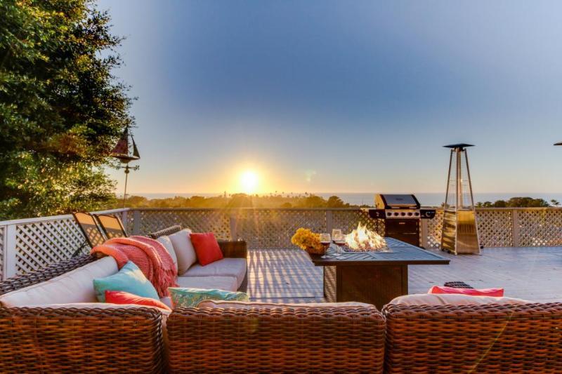 Designer Solana Beach home w/wrap-around deck & ocean views - dogs OK! - Image 1 - Solana Beach - rentals
