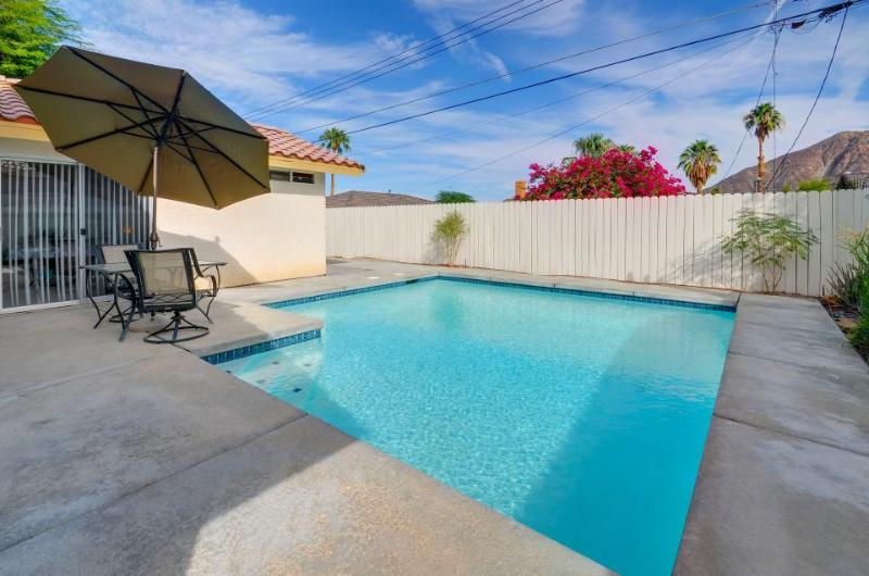 A pool and mountain views await at this dog-friendly estate - Image 1 - La Quinta - rentals