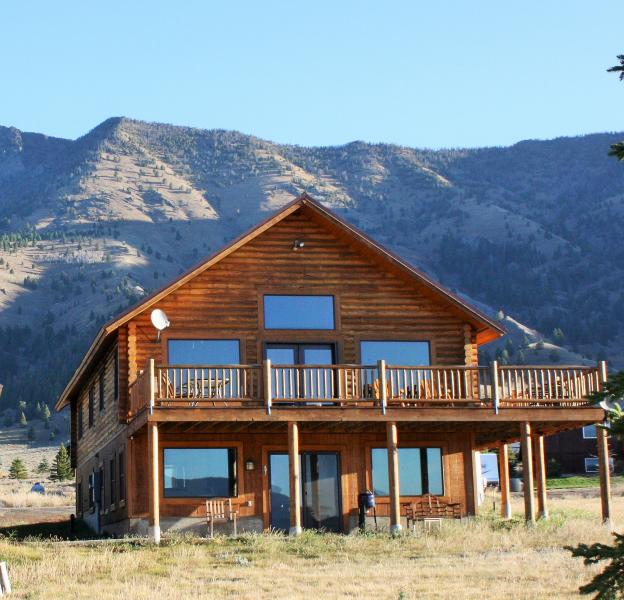 5 Bedroom 3 BA Minutes to the Park - Image 1 - West Yellowstone - rentals