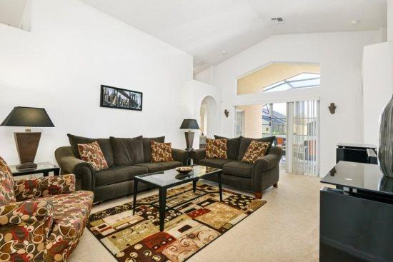 4 Bedroom 3 Bathroom Pool Home In Indian Creek. 8100SD - Image 1 - Orlando - rentals