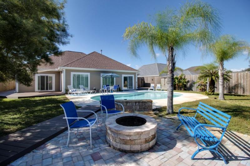 Elegant, remodeled, dog-friendly home with heated private pool and hot tub - Image 1 - Miramar Beach - rentals