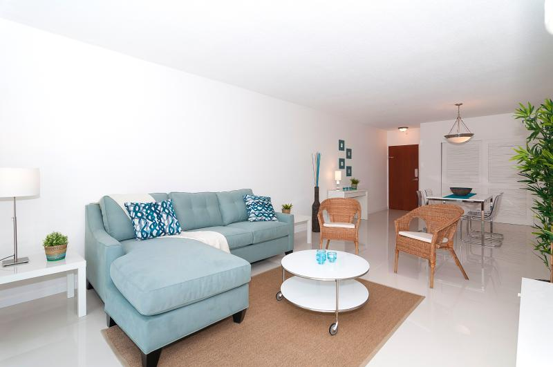 Ocean Front Condo on Hollywood Beach - 1 Bedroom - Image 1 - Hollywood - rentals