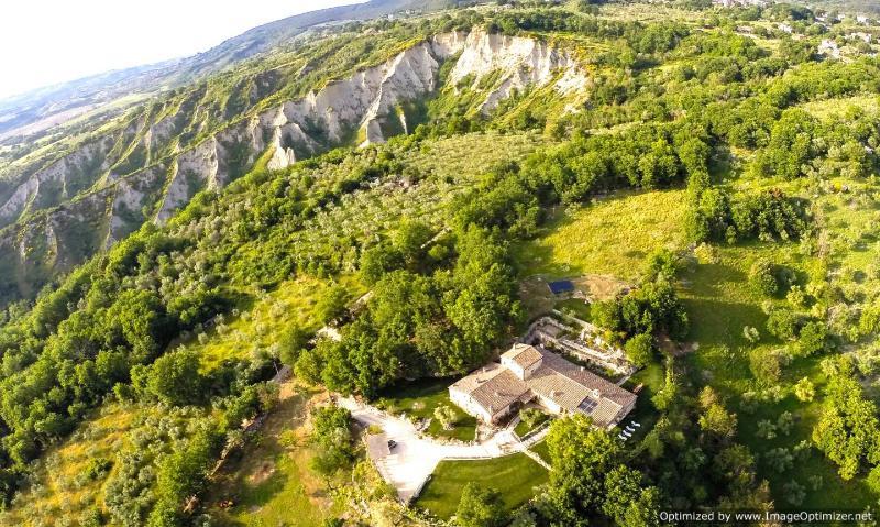 Villa Tiber Villa to let in Umbria, Vacation rental Umbria, Self catered - Image 1 - Guardea - rentals