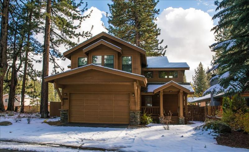 Bluejay Chalet – Cool Tahoe Cabin, Walkable, Grill, Ping Pong, Wifi, Spa - Image 1 - South Lake Tahoe - rentals